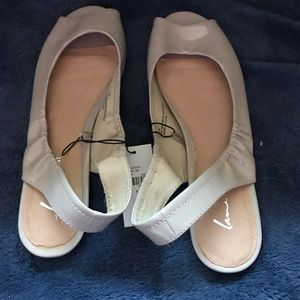 Nude sandals with tags!